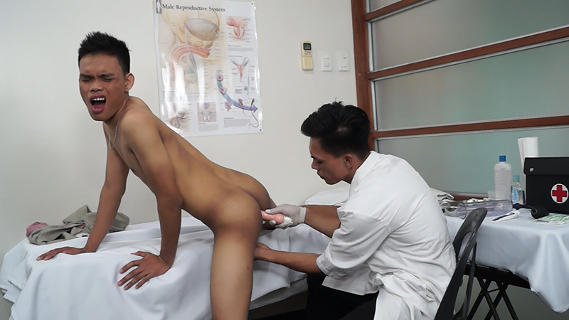 Asian twink cums after fucking doctor
